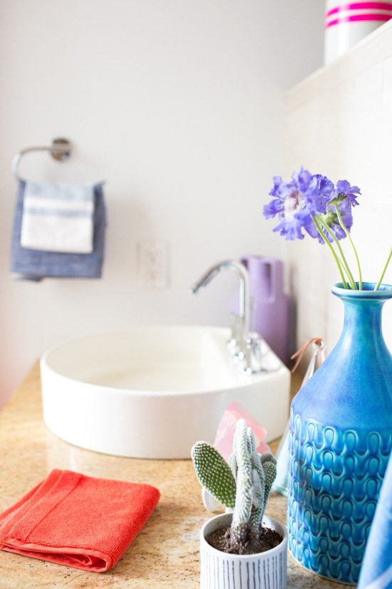 Before and After: Budget-Friendly Guest Bathroom Makeover (for less than $250)