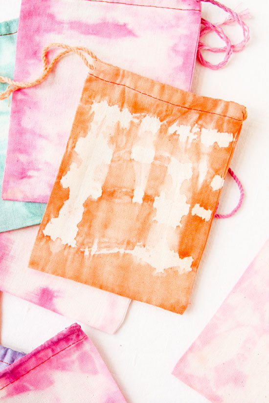 Dyed Favor Bags with Fabric Dye and Rubber Bands