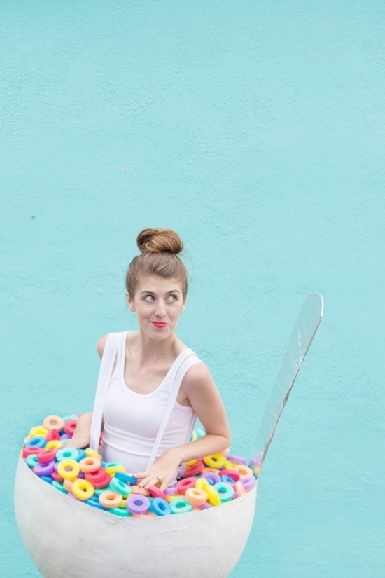 24 Awesome DIY Halloween Costumes to Try This Year // DIY Cereal Bowl Costume
