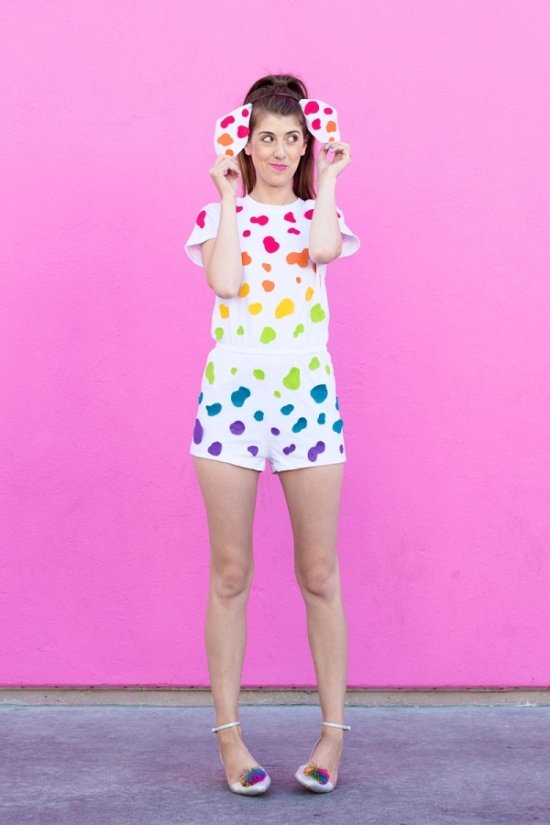 24 Awesome DIY Halloween Costumes to Try This Year // DIY Lisa Frank Costume