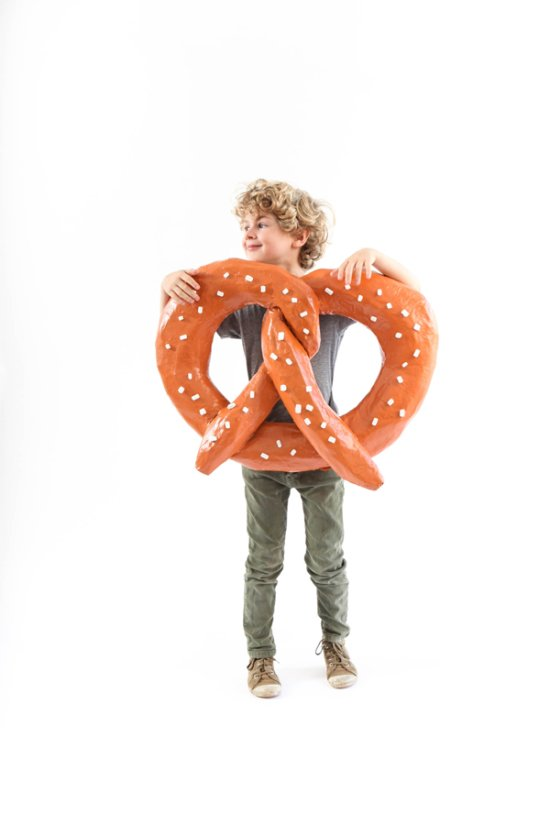 24 Awesome DIY Halloween Costumes to Try This Year // DIY Pretzel Costume