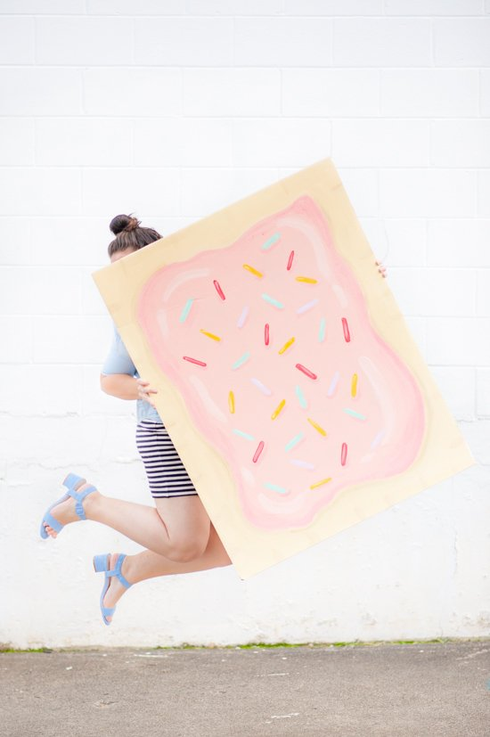 24 Awesome DIY Halloween Costumes to Try This Year // DIY Pop Tart Costume
