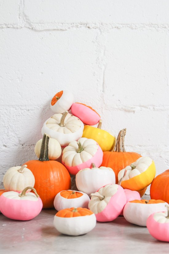 Easiest No-Carve Pumpkin Idea: Balloon Dipped Pumpkins DIY