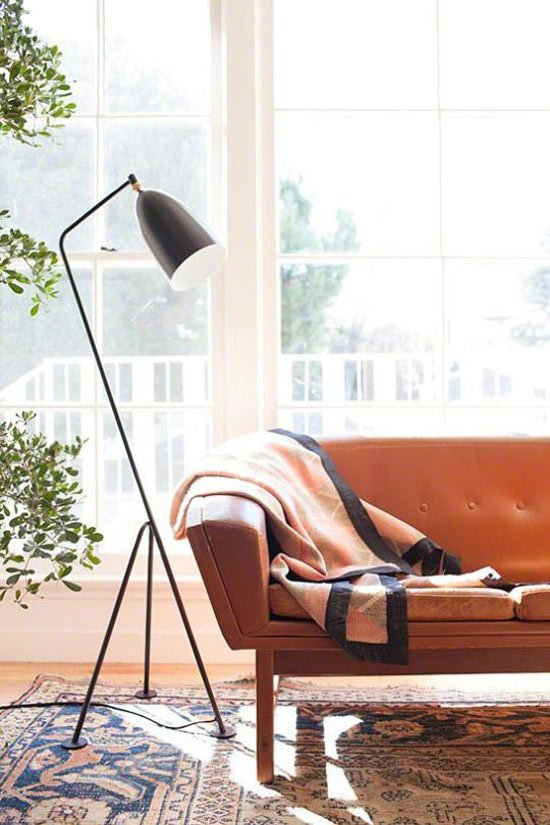 That floor lamp!