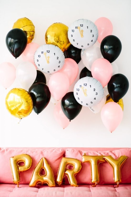 14 New Year's Eve DIYs to Try Before 2016 // 'Before Midnight' NYE Balloons
