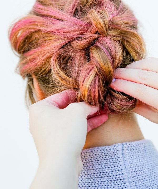 Hair tutorial for easy knotted up do in 15 minutes