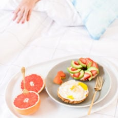 3 (Insanely Easy) Breakfast in Bed Ideas for a Low-Key Valentine's Day