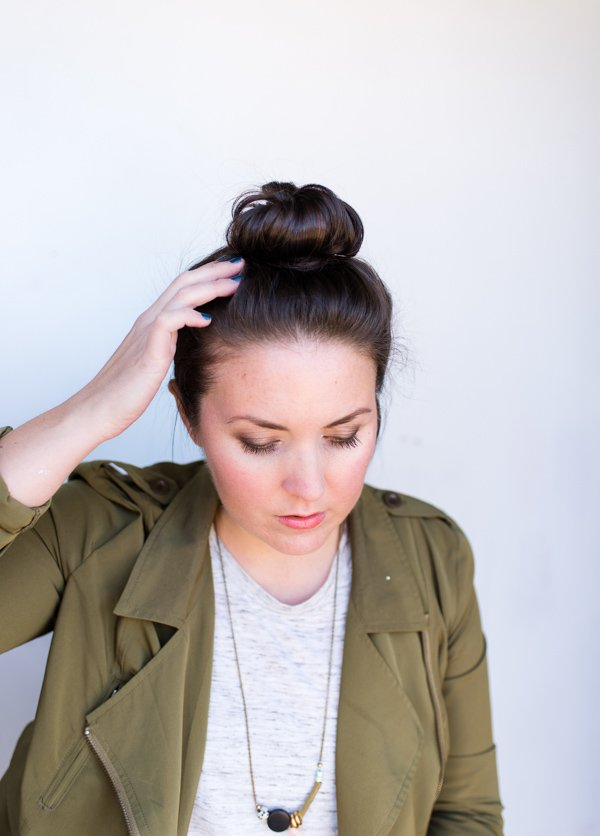 How to perfect your bun in 5 minutes or less (hair tutorial)