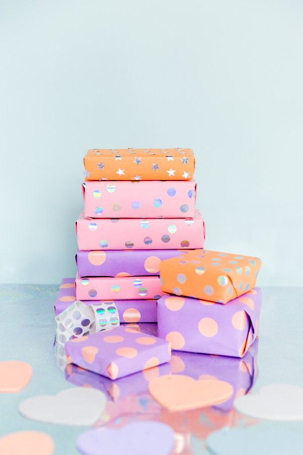 5 minute DIY sticker gift wrap