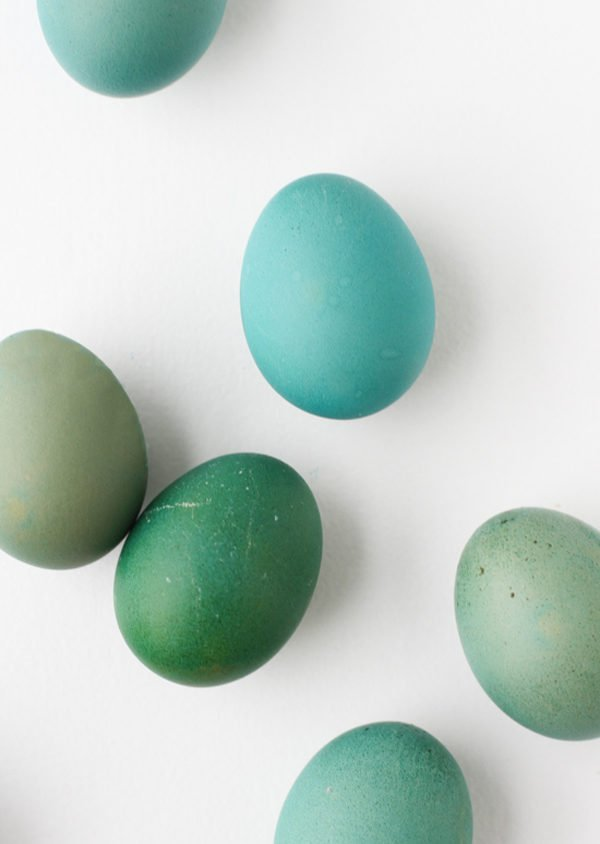 How to get unique Easter egg colors with a normal dyeing kit