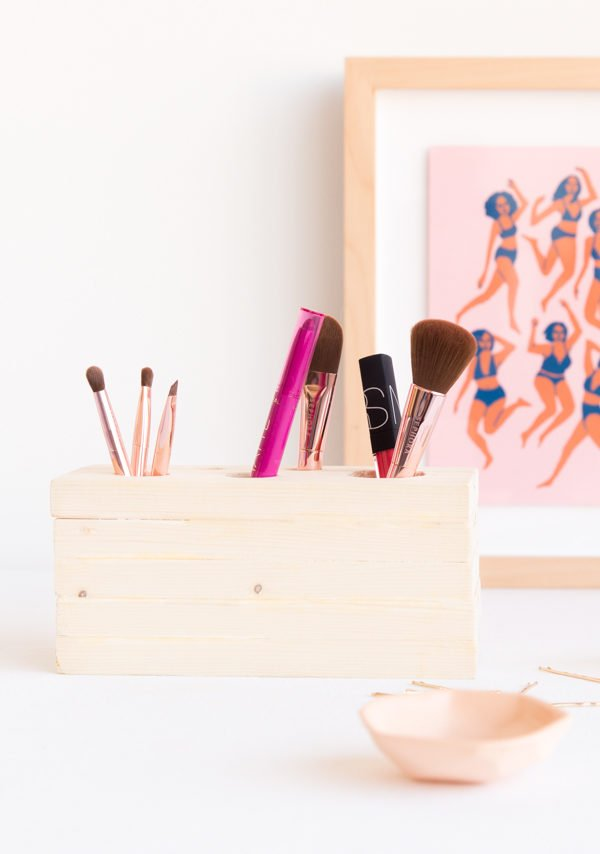DIY (Reversible) Wood Makeup Organizer