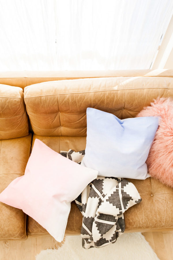 Faux Dip Dyed DIY Pillows in Pantone's Colors of the Year