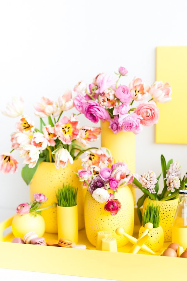 Spring / Easter Monochromatic Entertaining Idea that Will Make a Bold Statement