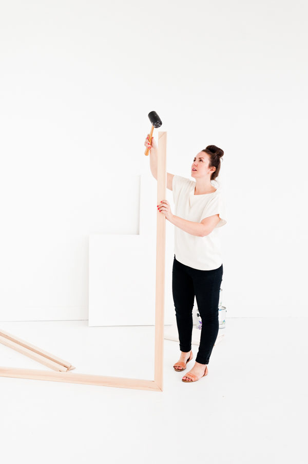 How to stretch a large canvas by hand