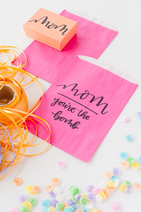 Hand lettered #diy gift wrap for Mother's Day