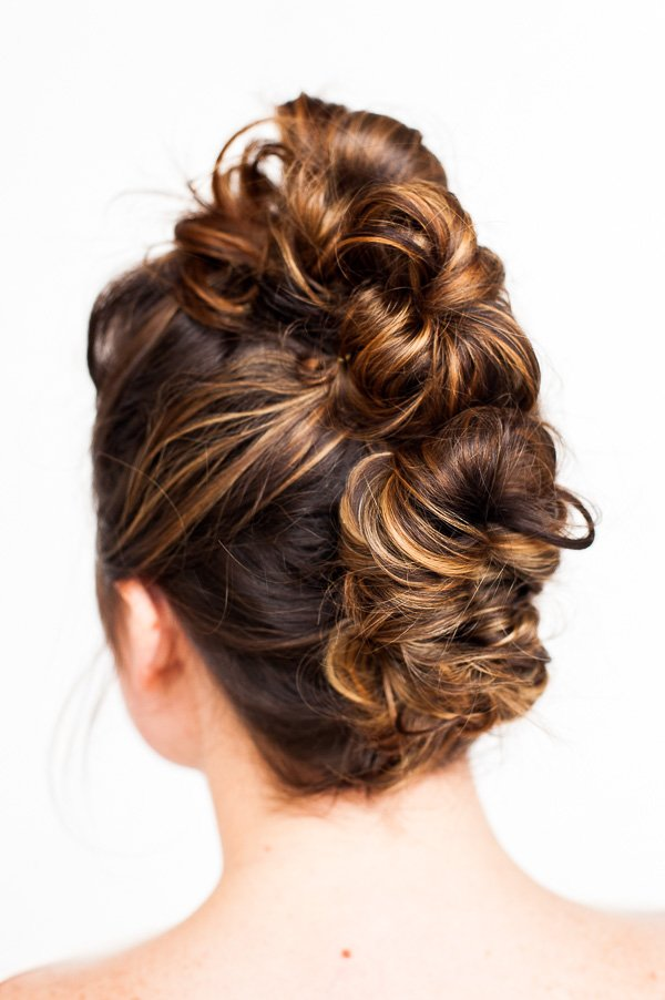 Hair Tutorial // Go from Day to Night with this Messy Bun Faux Hawk (2 Ways)