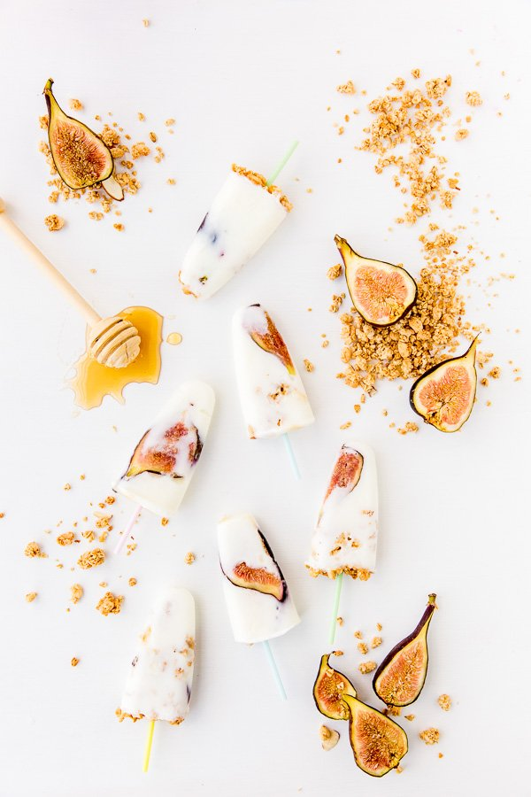 Take your breakfast on the go with this simple recipe for honey yogurt fig pops (with granola sprinkles).