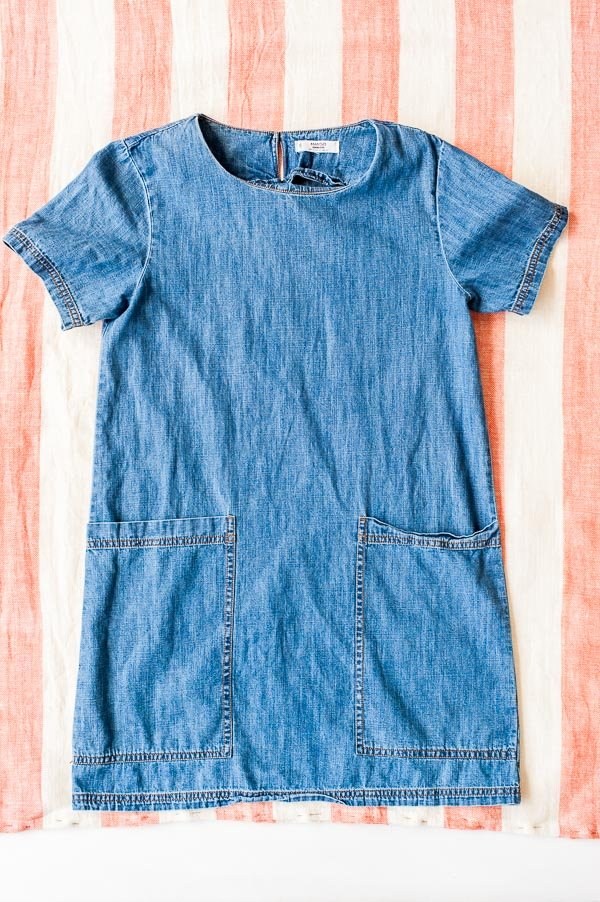 DIY summer shift dress. Click through for the step by step tutorial.