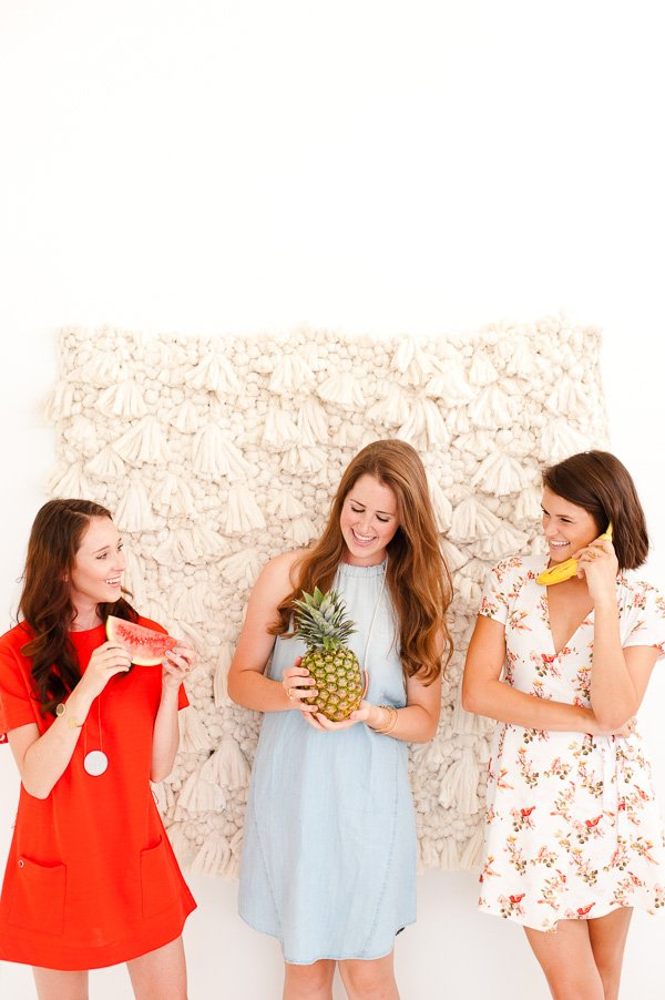 Fresh Summer Party Ideas // DIY woven photo booth backdrop