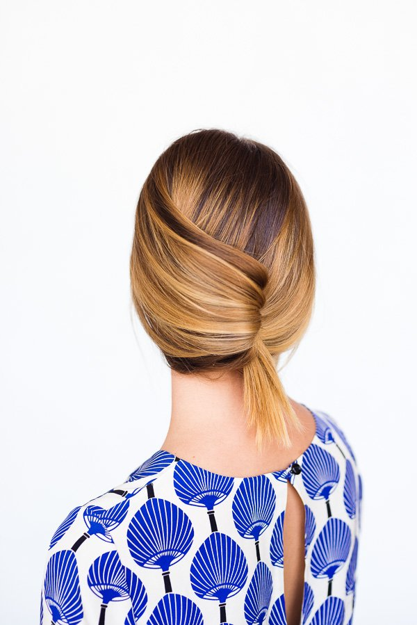 A Casual Summer French Twist in 60 Seconds