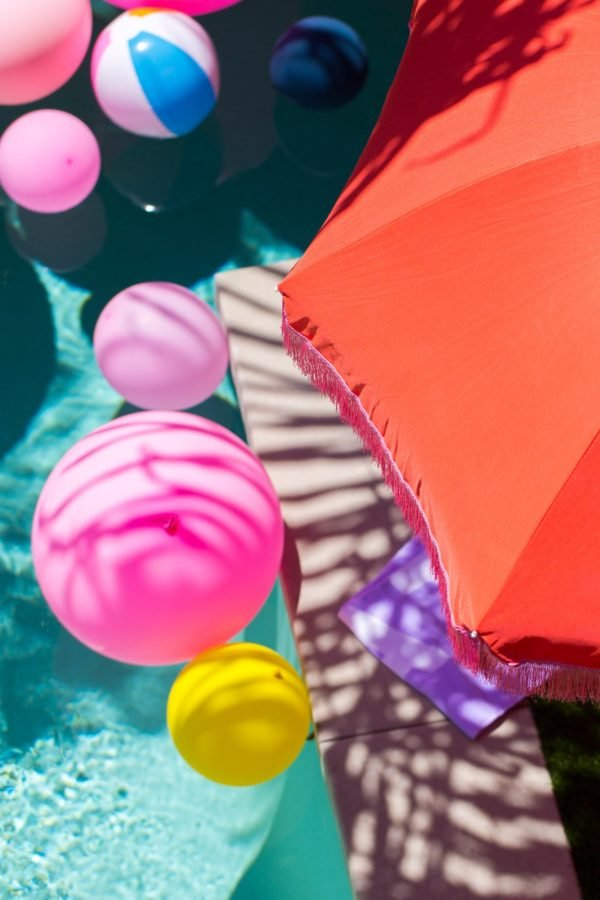 Retro DIY beach umbrella's (from Sugar & Cloth)