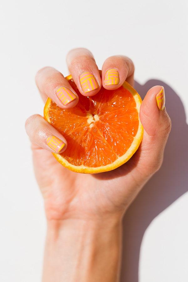 A summer striped nail tutorial