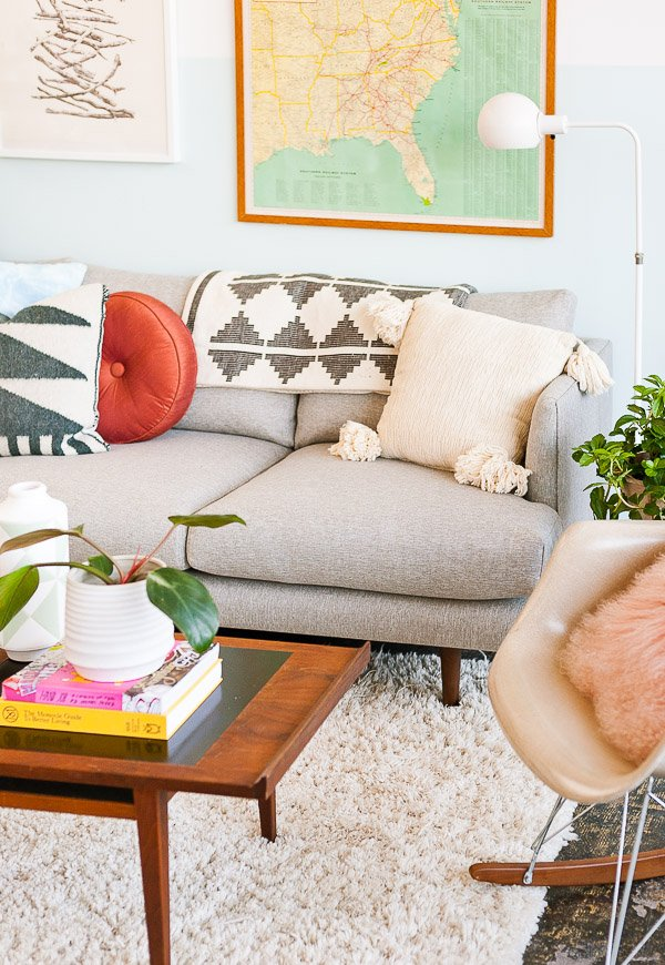 Hervorragend How To Style A Sofa For Fall
