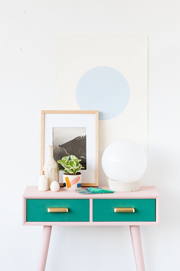 Entryway Table Makeover For Fall with Unique Color Combo