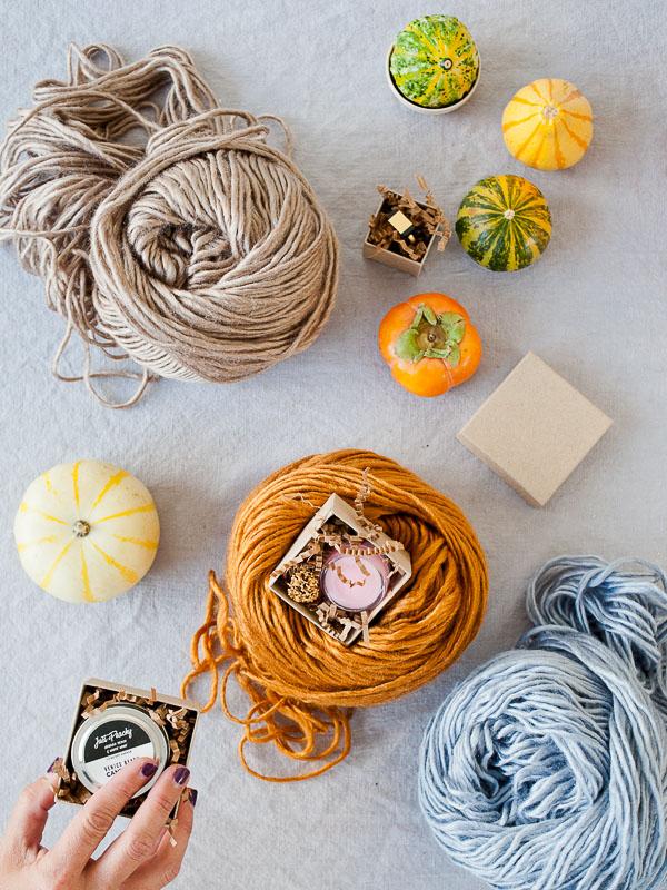 DIY yarn surprise ball party favor idea