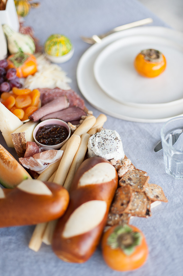 Charcuterie table runner DIY idea for Thanksgiving