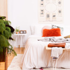 Be My Guest: An Organic Modern Guest Bedroom Makeover (With a Side of the Holidays)