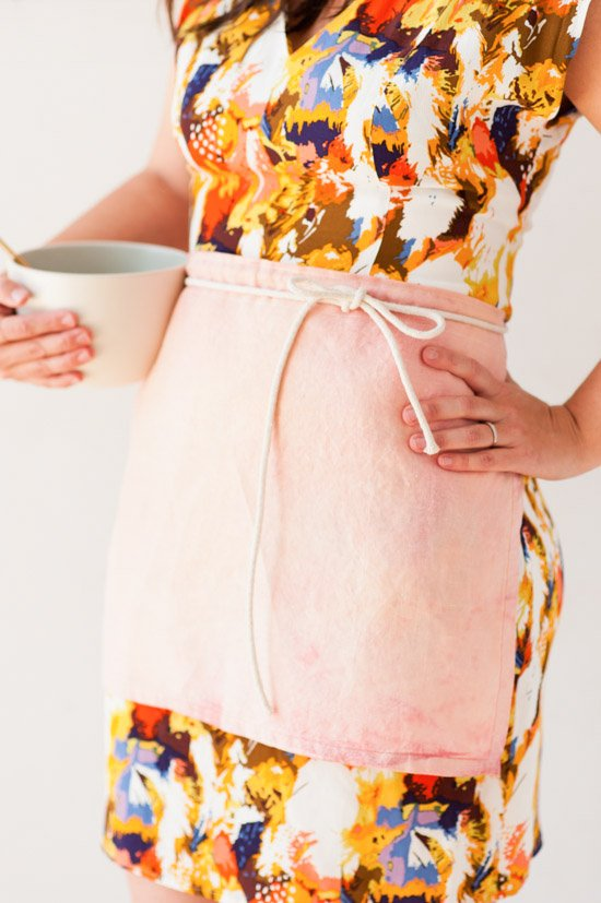 DIY cafe apron in 10 minutes (and 40+ other DIY holiday gift ideas that don't suck)
