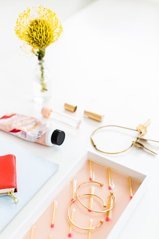 17 Ways to Organize Your Life for the New Year: DIY Vanity Tray