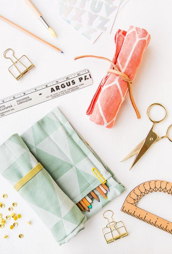 33 Ways to Organize Your Life: DIY Rollup Organizer. #organization #organized