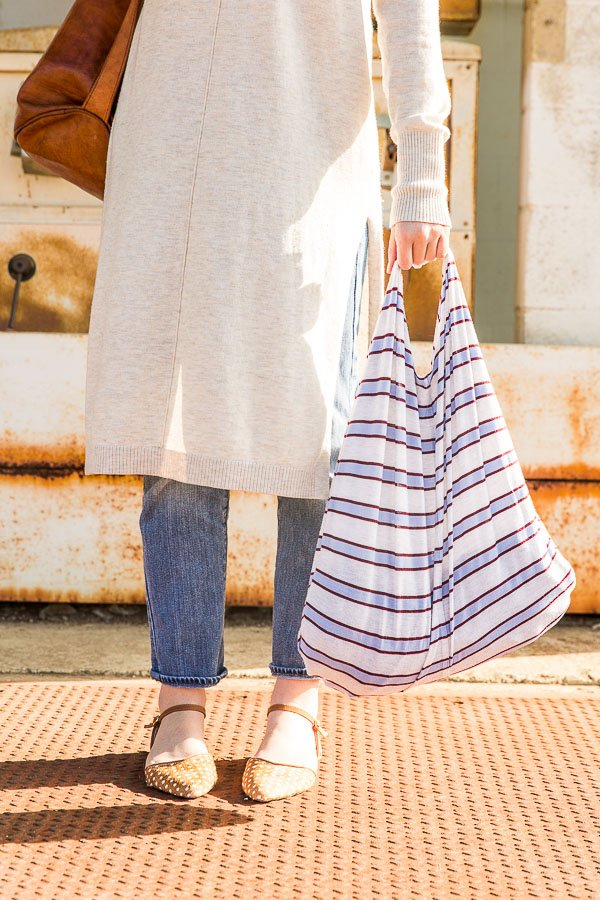 How to make upcycled tote bags from old t-shirts