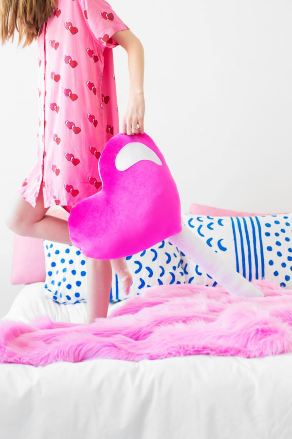 DIY lollipop pillows for Valentine's Day decorating