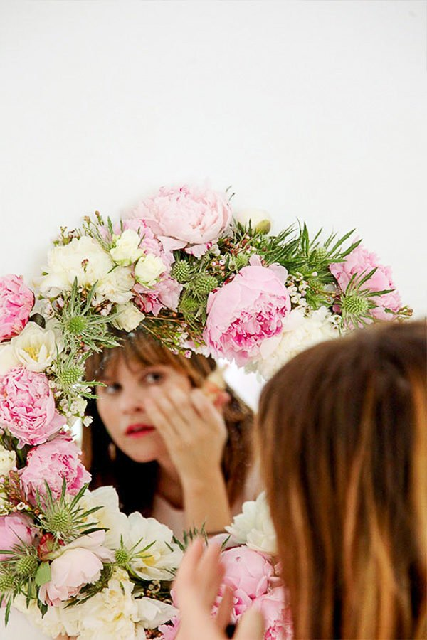 Believe it or not this fresh flower mirror is actually a DIY project - great for Valentine's Day.