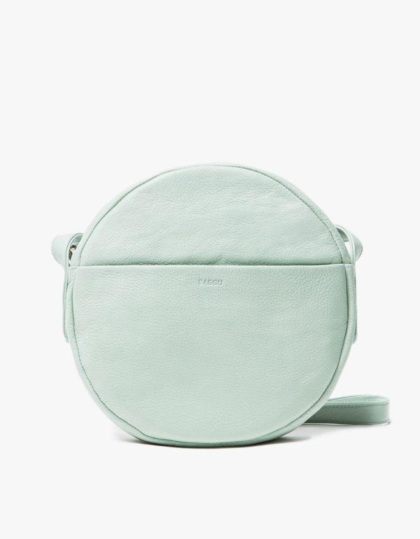 A minty fresh Baggu circle bag.