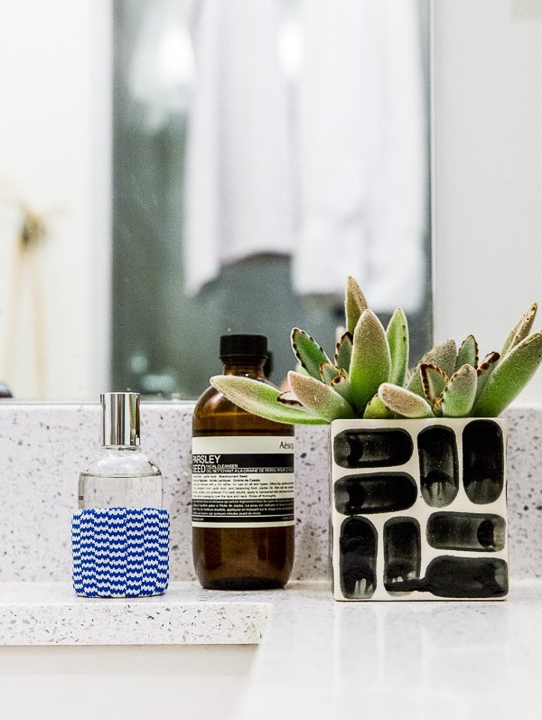 A minimal bathroom makeover