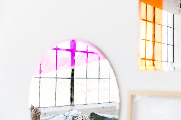 A colorful mirror DIY for the entryway