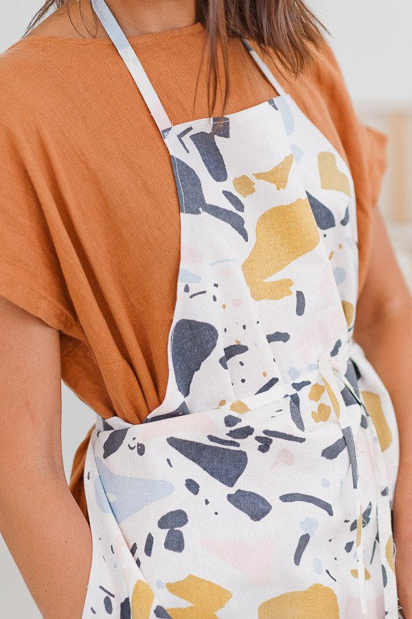 DIY Sewn Apron in 10 Minutes