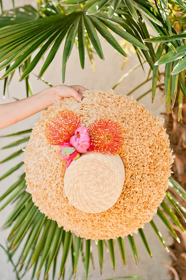 A DIY flower hat for summer. Click through for the tutorial.