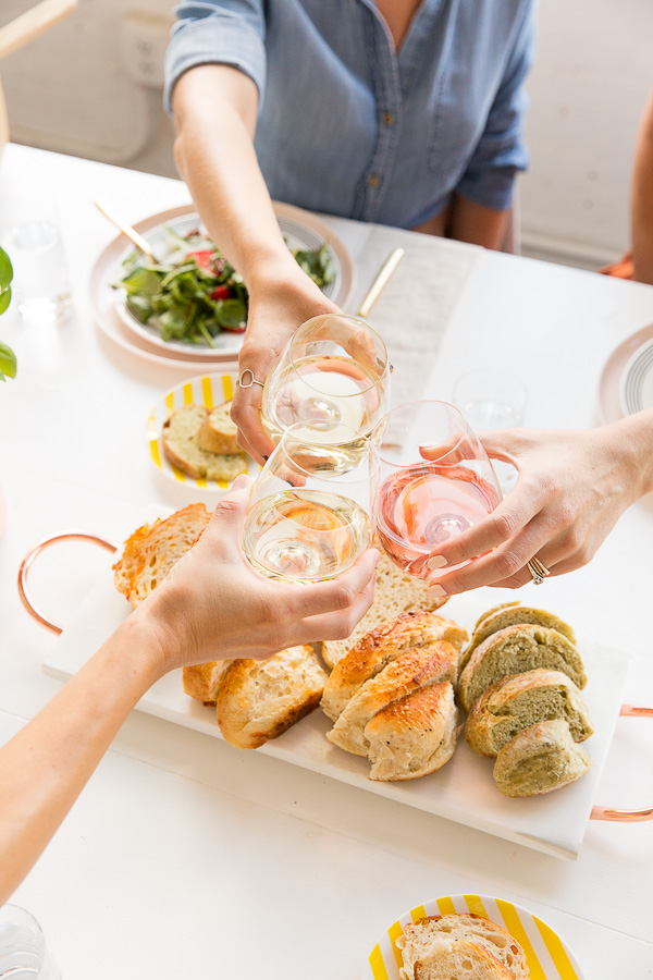 Easy Dinner Party Ideas For 4 Part - 40: A Simple, Effortless Chic Dinner Party. Click Through For Quick DIY Ideas  And Simple
