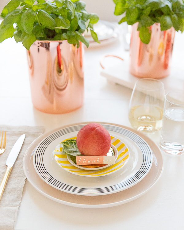 How to Throw an Effortless Chic Dinner Party Without Trying Too Hard