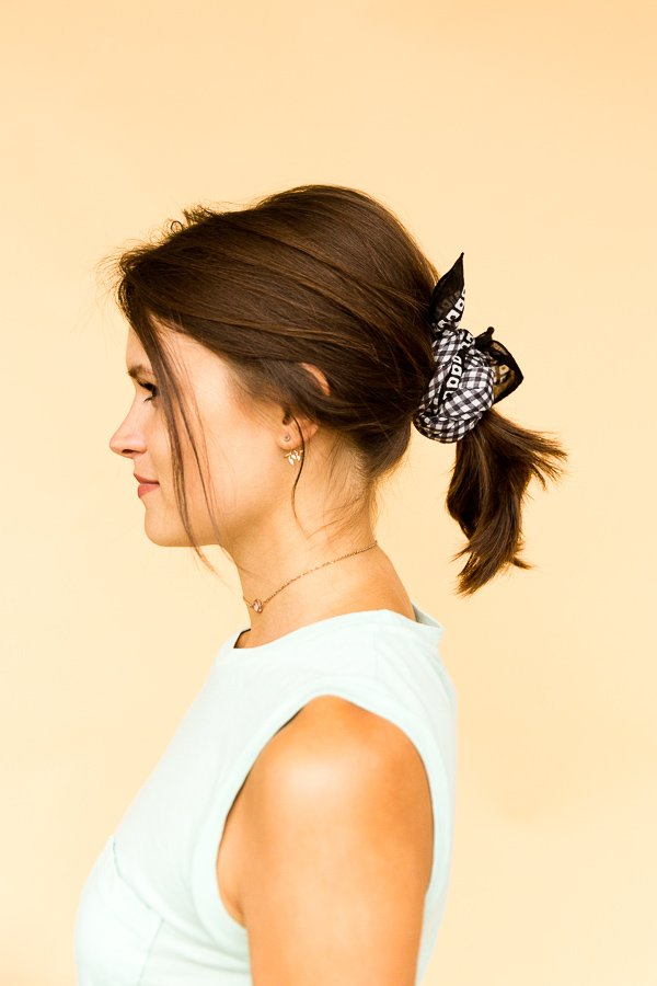 6 DIY Ways to Style a Bandana for Summer - The Prim and Proper Ponytail