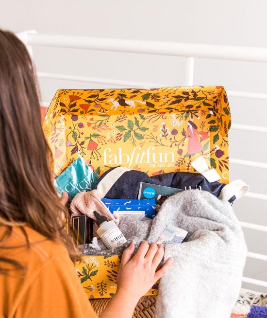 Take a peek inside the fall FabFitFun box with Paper & Stitch.