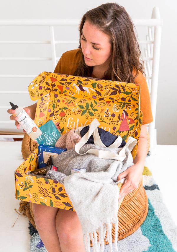 Take a peek inside the fall FabFitFun box with Brittni of Paper & Stitch.