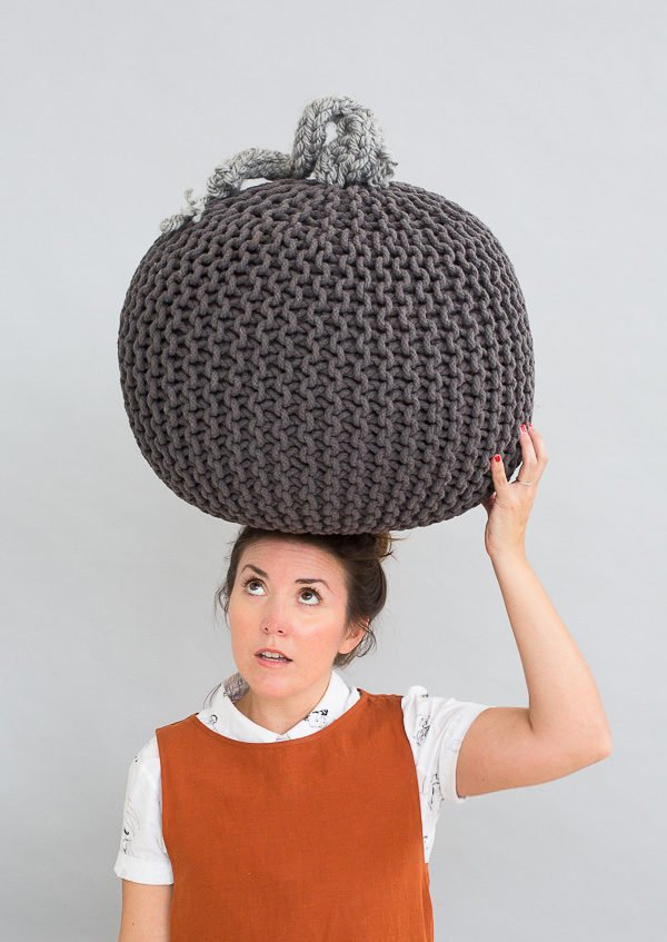 How to make a giant knit pumpkin for Halloween