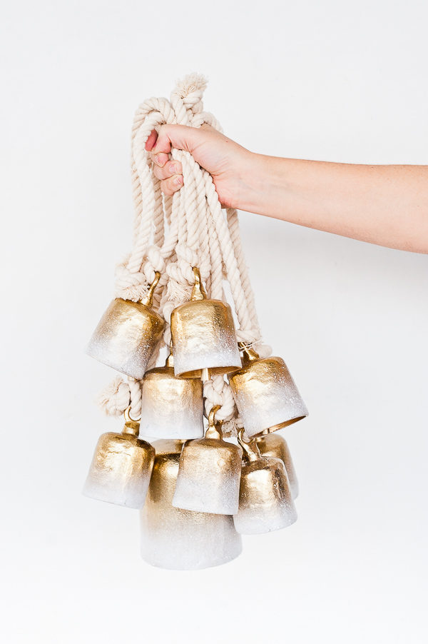 Jungle bells ornaments and a whole bunch of other DIY holiday ornaments to try before Christmas! #ornaments #tassels #holiday #christmas #diy