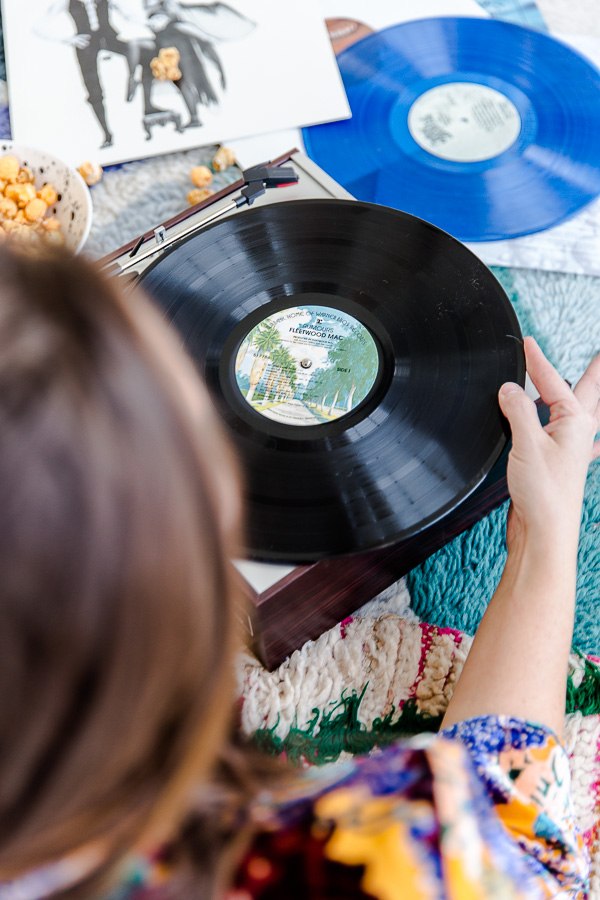The Procrastinators Guide to the Holidays: Last Minute Holiday Gifts That Won't Seem Last Minute #holidaygifts #holiday #gift #housewares #christmasgifts #recordplayer
